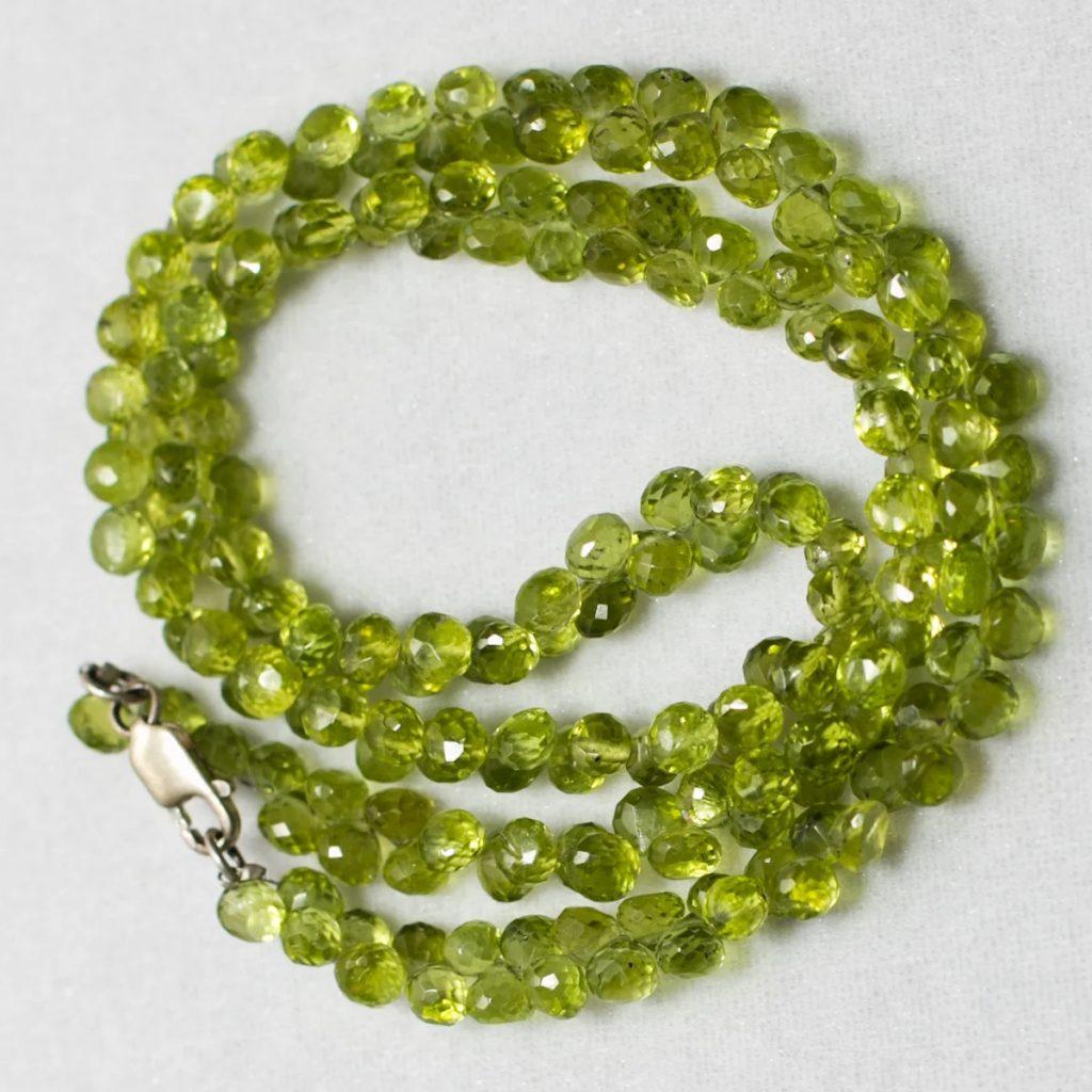 Ожерелье Хризолит