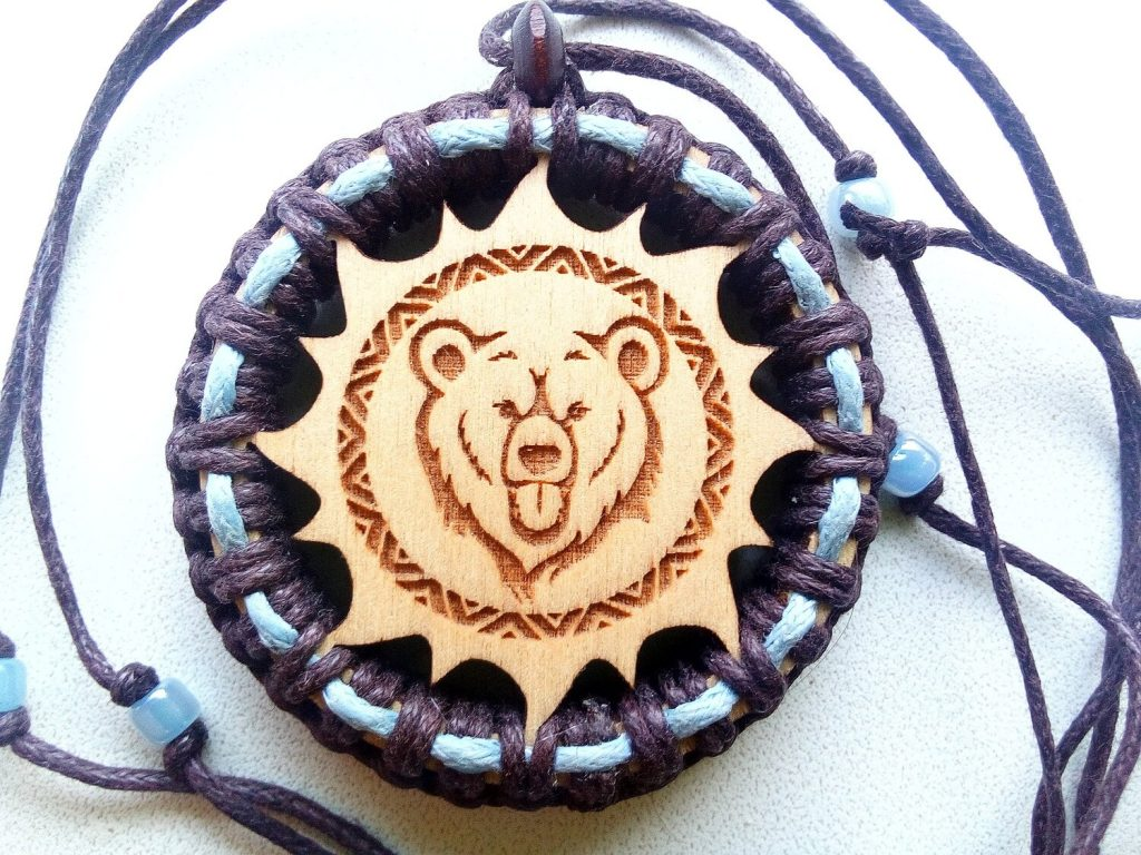 Оберег медведь