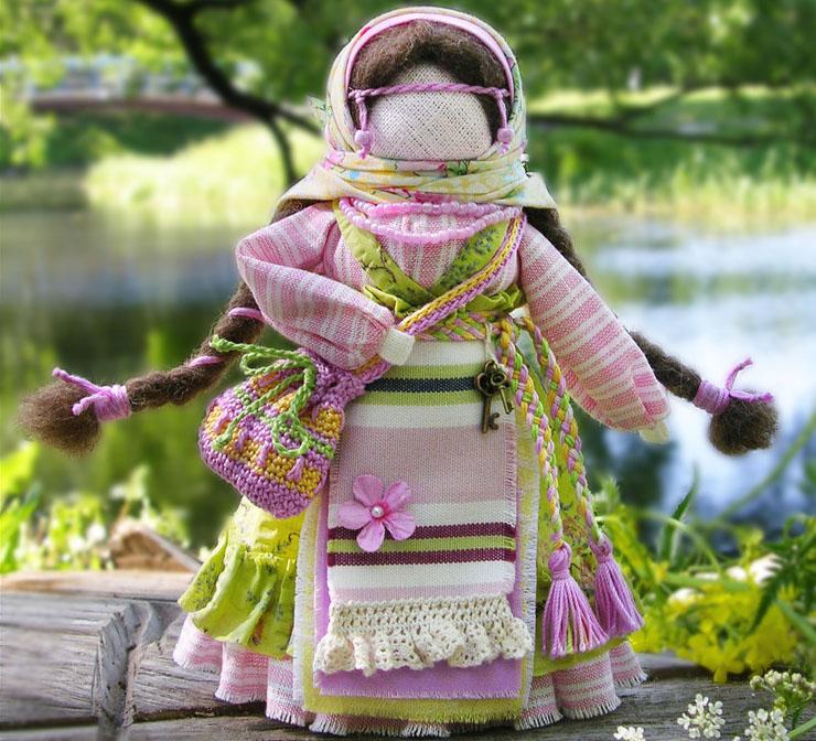Успешница кукла оберег